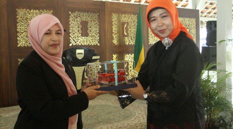 Puspanita Petaling Jaya Malaysia kunjungi PKK Kota Bandung