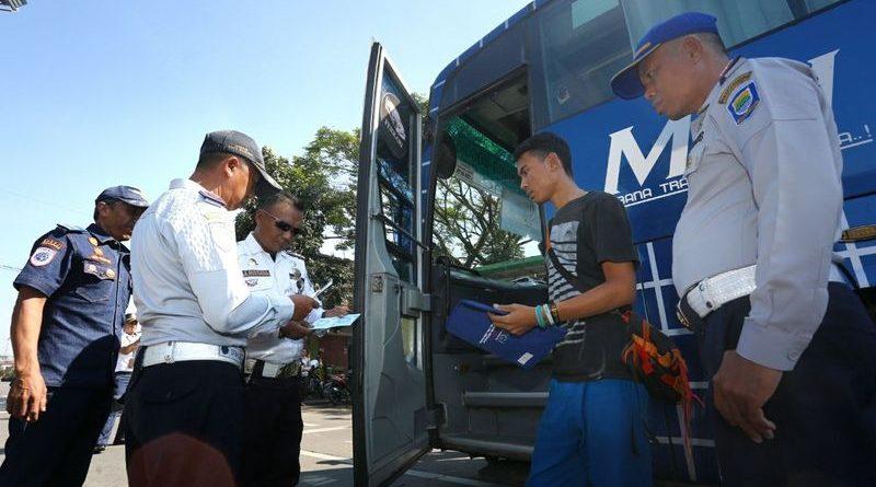 Tekan Angka Kecelakaan, Dishub Kota Bandung Lakukan Pengecekan Armada Bus