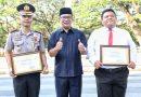 Kapolrestabes Bandung Raih Penghargaan Bintang Bandung Utama