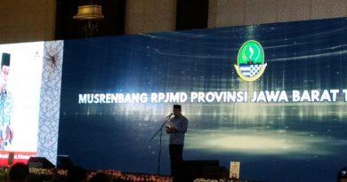 Bangun Jabar, Ridwan Kamil Sarankan Kepala Daerah Pinjam Uang ke BJB