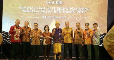Gelar Seminar dan Gathering Nasional, Bank Bjb Berikan Penghargaan ke BPR